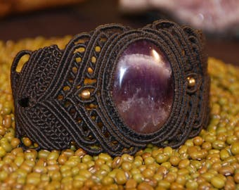 Macramè bracelet with Amethyst