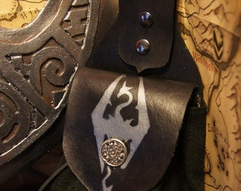 Skyrim Leather Belt Pouch SCA LARP Sorcery Cosplay Mage Ren Faire Viking Arcane Steampunk Alchemist Roleplaying Leather Pouch in Black