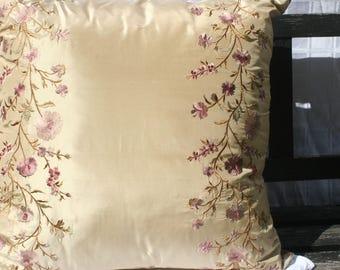 22x22 Purpley Vine Pillow