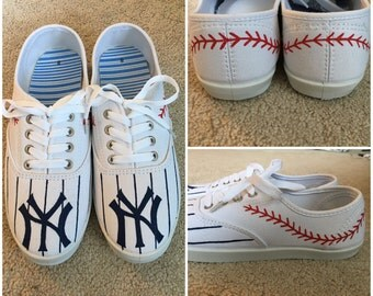 Hand-Painted New York Yankee Shoes!