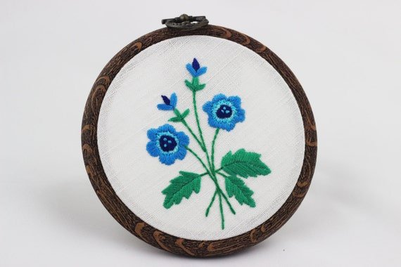 Embroidery hoop picture art hand embroidered wall