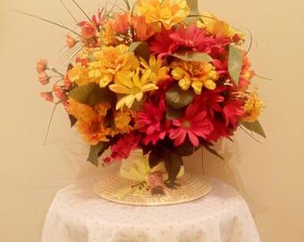 ON SALE! Vintage Ceramic Hat Planter Centerpiece With Spring Floral Arrangement