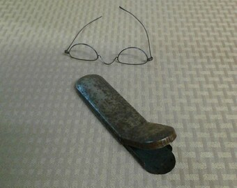 Antique Straight Bow Eyeglasses with Metal Case