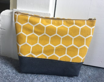 Honeycomb Accessory Bag