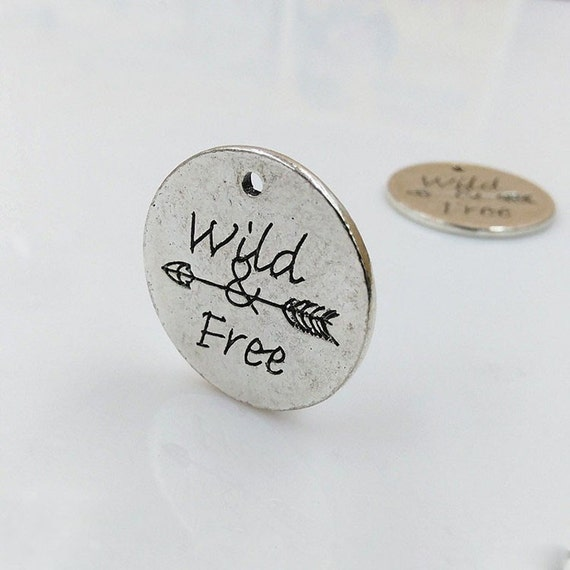 5 pcs WILD FREE antique silver pendant jewelry Letters charms  Charm Metal Printed Word Wild Free Bracelet Charms