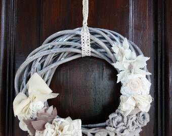 Outdoor Christmas Garland shabby chic.