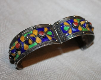Antique Bangle of the Ryf Kabyles, North Africa, silver, email, ethnic jewelry
