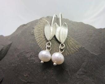 Leaf earrings silver Pearl Earrings silver