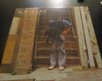 Bob Dylan NM- vinyl -  Street Legal - Original Edition - Lp in NM- Condition.