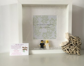 Personalised wedding mini figures bride and groom present gift frame
