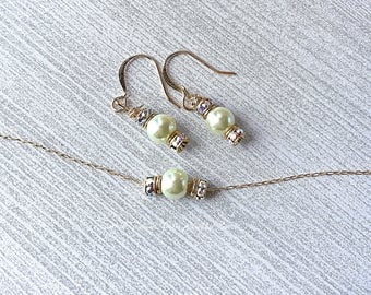 White Pearl Bridal Necklace & Earring Set