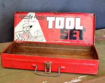 Petite boîte metallique/ ancienne boîte d'outils pour enfants handy Andy