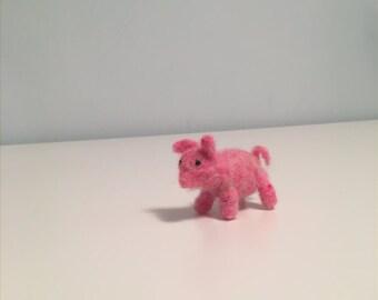 Cute Needle Felted Pink Pig - Waldorf Pig - Decorative Pig - Wool Pig - Toy Pig - Felted Pig - Fiber Art - Decoration - Gift