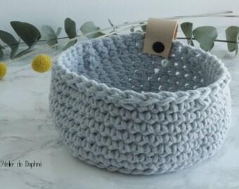 Crochet basket and leather, gray, black rivet