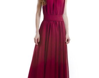 Dress long . Marvellous evening dress for a triumph .  Burgundy dress  . Nice dress  . Incredible dress .