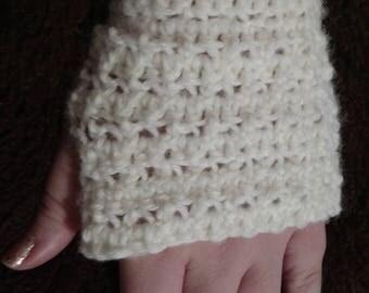 Crochet fingerless mittens