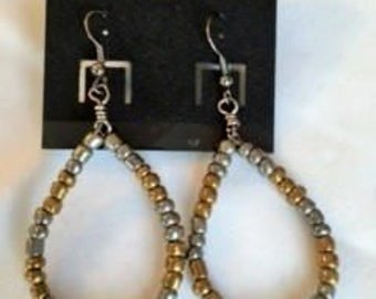 Glass bead hoop earrings