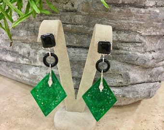 Earrings with JADE GREEN. White gold earrings (18 k) with Onyx, diamonds and jade green