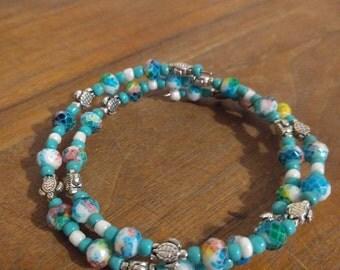 Sea turtle and scale beaded bracelet