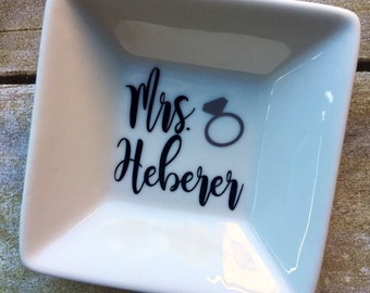 Custom Ring dish / bride to be / personalized ring dish / monogram ring dish / custom ring holder / bridal ring dish / engagement gift