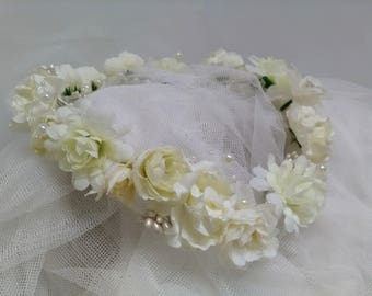 Bride crown white flowers and ivory. Wedding wreath. Corona white flowers. Valentine's Day gift. Girlfriend. Bridesmaid. First Communion
