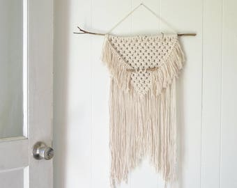 SALE! // Macrame Wall Hanging
