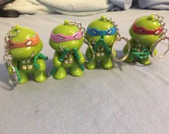 Teenage Mutant Ninja Turtles Classic Collection 4 Pcs Mini LED Keyring Keychain TMNT