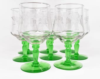 SET OF 8 Etched Crystal Wine Glasses with Green Stem and Base ~ Wine Glasses ~ Etched Crystal Wine Glasses ~ Vintage Wine Glasses ~ Glasses