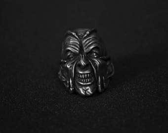 Jeepers creepers ring