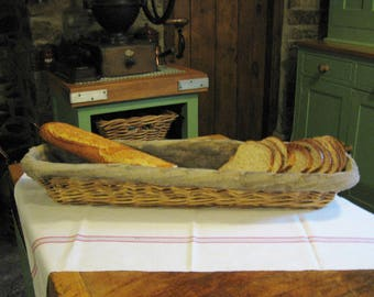 A Very Nice Original   French Bread Baguette Proving Basket Farmhouse Kitchen / Country Kitchen
