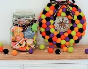 Halloween wreath, Halloween decoration, Halloween felt ball wreath, felt ball wreath, wreath, felt balls, wool felt balls, holiday wreath