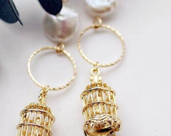 2017057#SPRING COLLECTION _Bird Cage Gold&Pearl Earrings