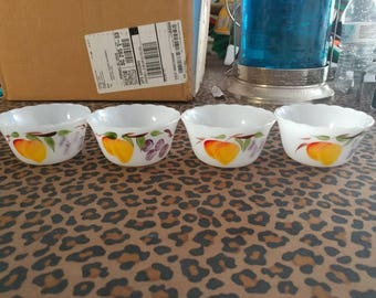 REDUCED-Set of 4 Vintage Fireking Gay Fad Custard Dishes 424