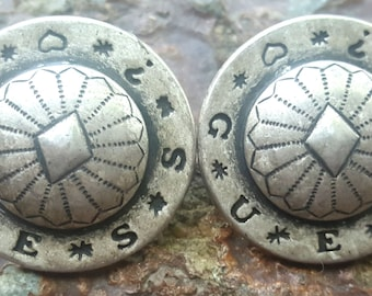 Vintage Flawless Southwestern GUESS silvertone Large earrings Concho design RARE!!!!!
