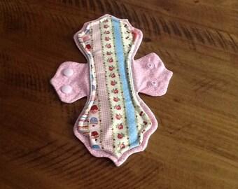"9.5"" Pink Elegance Cloth Pad"