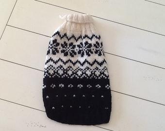 Hand knit Norwegian wool dog sweater (m)