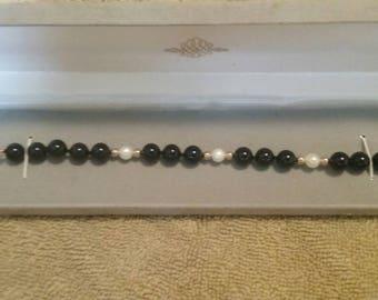 Vintage Natural Pearl/Gold/ Black Onyx Beaded Bracelet/ New/ Round Stone