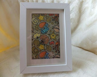 Picture frame with decorative picture