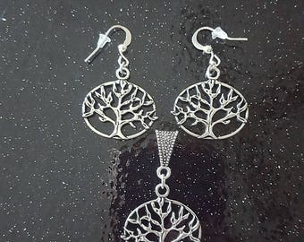 Gorgeous Silver Colour Tree Of Life Pendant Pendant & Earrings Set, Must See!!!
