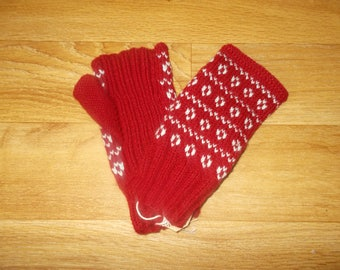 Burgundy Fair Isle inspired fingerless hand warmers.