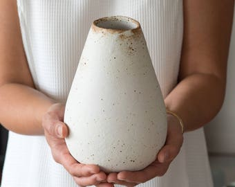 Egg Vase in Eggshell  [ Ceramic Vase, matte finish, stoneware, handmade pottery, flower vase, home design ]