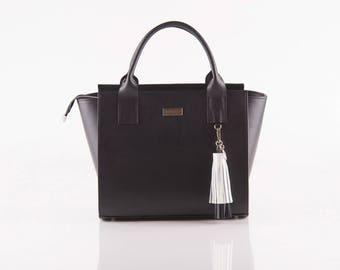 Black Anna Messenger Bag
