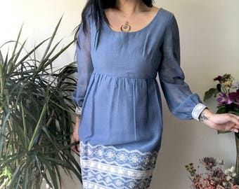 VTG 1970s Smoky Blue Dress with Sheer Sleeves and White Lace Detail M