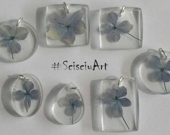 Resin pendant and hydrangea flowers
