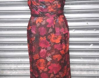 1950s wiggle dress