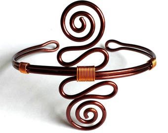 Copper bracelet with double spiral