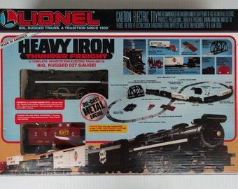 Lionel 6-11800 027 Gauge Heavy Iron Thunder Freight Train set (Toys R Us) - 1992