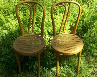 Free Shipping; Lot of 2 RARE Handmade SPECIAL EDITION Thonet Bentwood chairs Bi-Centennial 1976