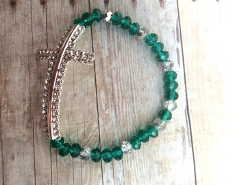 Silver, green, cross, beaded bracelet, bracelet, christmas, gift, jewelry.