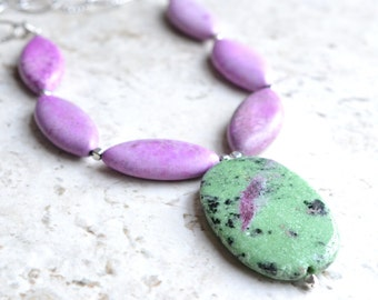 The Jessie- Purple and Green Pendant Choker Necklace